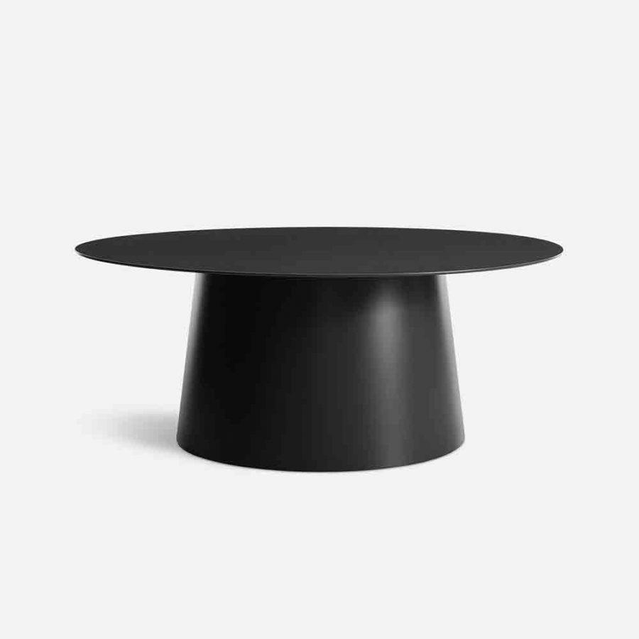 circular table black