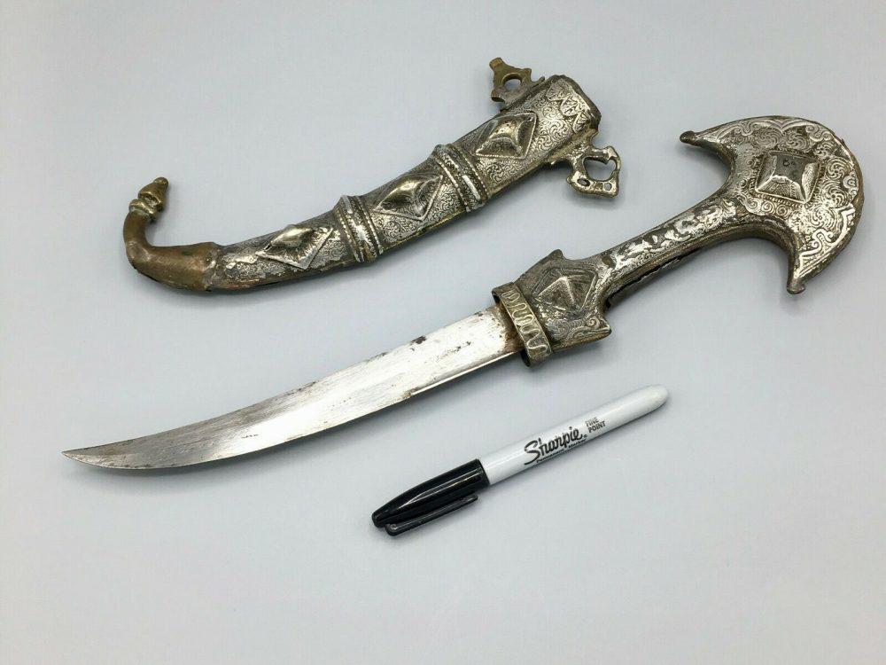 Early 19th Century North African Arab Moroccan Dagger Koumiyya Mounted in Silver