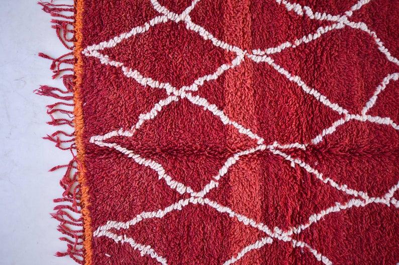 """BENI MGUILD. 8'x5'4""""Vintage Moroccan Rug. Wool Beni Ourain Carpet. Modern Design."""