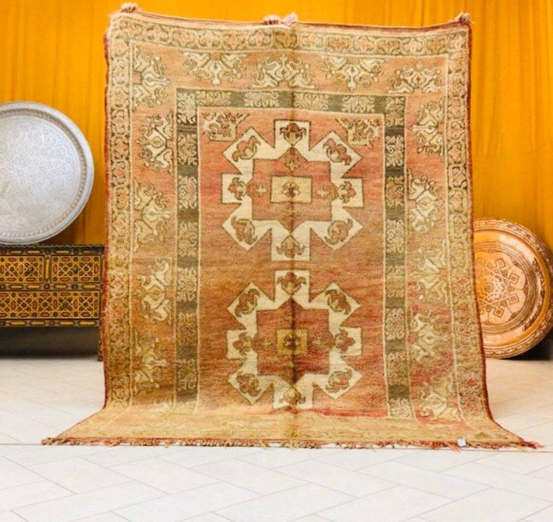 Stunning beni mguild rug vintage rug Moroccan rug (7.6 ft x 5.6 ft )(228 cm x 167 cm )