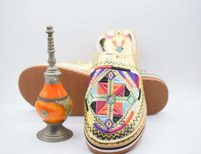 Berber Morocco Slippers, Embroidered Moroccan Babouche, Amazigh Leather Loafers, Women Goatskin Mules, Durable Sheepskin Mules