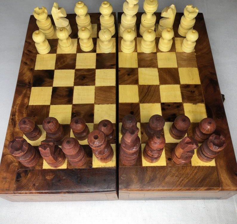Handmade Moroccan thuya wood chessboard