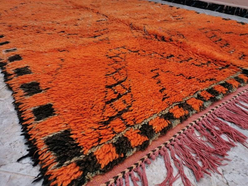 Orange Vintage berber Moroccan rug Beni Mguild | Beni Mguild Moroccan Carpets | Vintage Beni Mguild Moroccan Rug