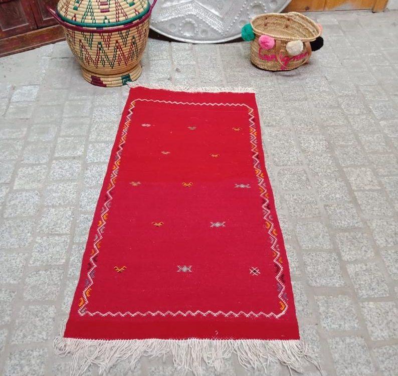 Moroccan Berber kilim, handmade wool rug, Moroccan red berber rug Authentic azilal bohemian rug.berber rug