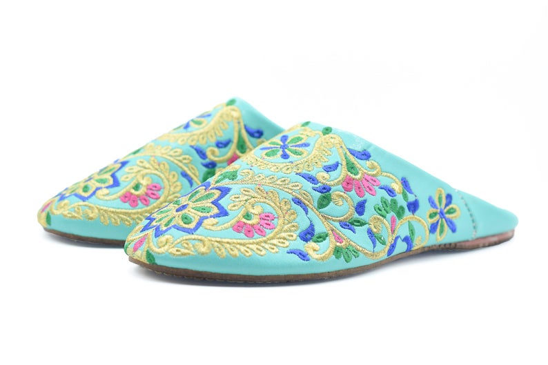 Moroccan women wedding slippers, Morocco Berber embroider mule, leather slippers, indoor shoes