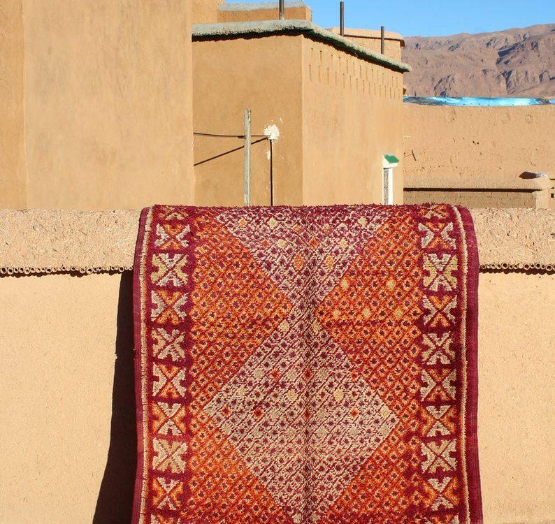 Vintage Berber Moroccan Zayan rug unique minimal natural colors rug, Boujaad rug, Beni Mguild rug, Authentic rug, Moroccan vintage rug