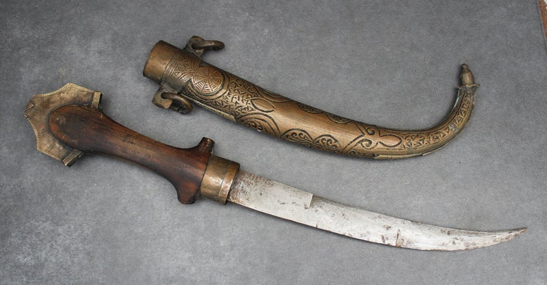 Vintage CEREMONIAL Moroccan DAGGER with SCABBARD. Antique Moroccan. Koummya, Moroccan Jambiya Islamic Dagger, Maghreb.