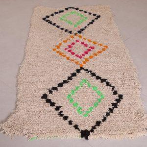 Vintage Moroccan rug 2.8 FT X 6 FT - Vintage Moroccan carpet - Handmade rug - Moroccan shag rug - Berber rug - Hand knotted rug - Wool rug