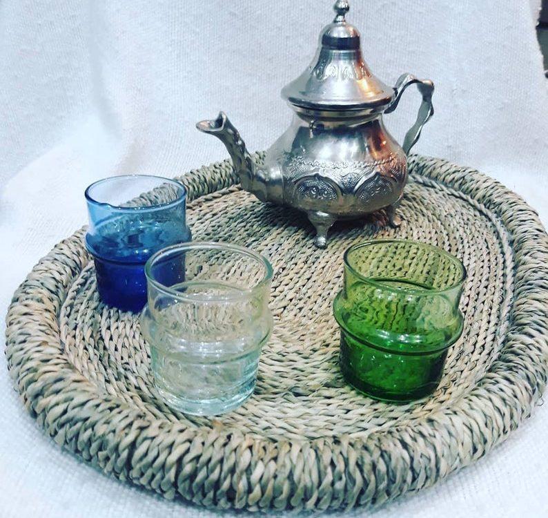 Ensemble de 3 verres de thé marocains vintage , Moroccan tea set, 3 Cups Tea Glasses, Teapot , Tea Tray , verres à thé vintage, Gift idea ,