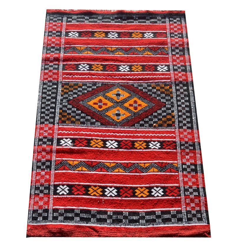 Handmade Moroccan red berber art Kilim rug - Natural Wool Moroccan Berber Rug 115x75 cm KM-107