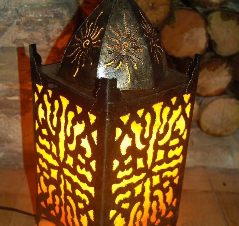 Sassak metal Moroccan style table or bedside lamp 40cm - Gold